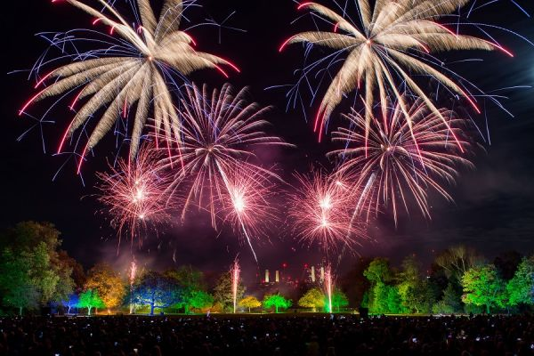 Battersea-Park-Fireworks-3-credit-to-Nathan-Dainty-VERY-CREATIVE