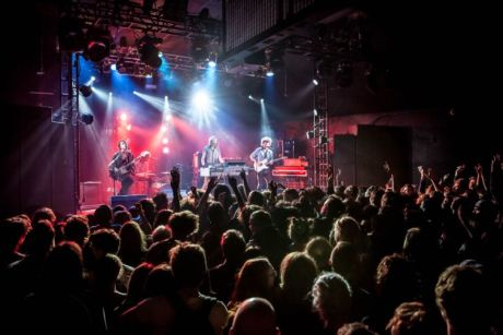 Why independent music venues are definitely better